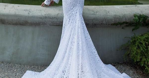 this is literally my dream wedding dress !! Vintage Lace Wedding Dresses