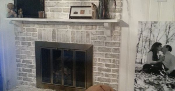 $20 Fireplace Makeover: How to get a whitewashed look on a fireplace