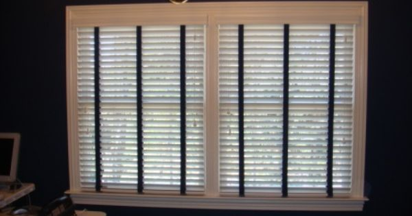 white wood blinds with navy blue fabric tape for nautical themed home office blinds. Black Bedroom Furniture Sets. Home Design Ideas