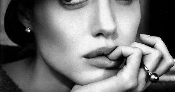 Angelina Jolie - actress  -----  https://www.facebook.com/GiovannaGriffo.Photographer
