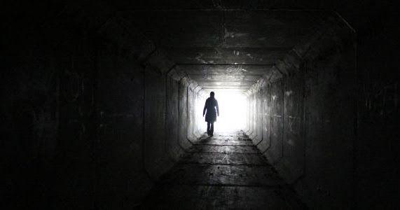 الرموز التي تدل على الموت في الحلم علامات تدل على اقتراب الموت ماهي هذه الرموز هل هي إخبار الحالم في المنام بوفاة شخص معين أو بوفاة الحالم وهل هي و رؤ