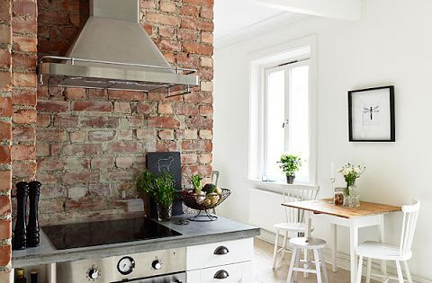 This this brick feature wall...not forgetting the clear splash back!!