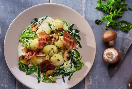 Cremiger Wirsing Mit Gebratenen Champignons Und Mini Knodeln Rezept Rezepte Kochrezepte Lecker