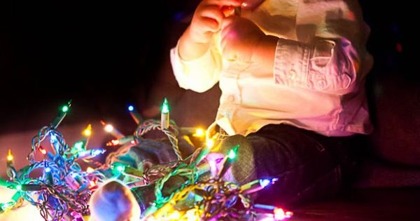 christmas baby photography ideas | Baby with Christmas Lights | Paskey Photo