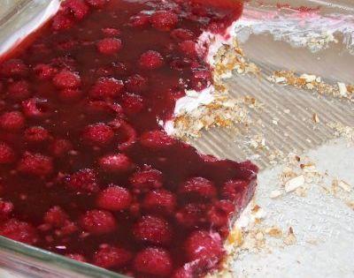 Raspberry Pretzel Jello Salad One of my favorites..sounds like my Strawberry Pretzel