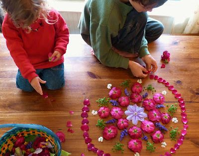 #DIY Flower mandalas -- what a beautiful way to connect children with
