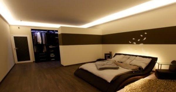 Indirekte Led Beleuchtung Mit Stuckleisten Lichtvouten Lichtprofilen Und Led Spots Youtube Schlafzimmerdecke Indirekte Beleuchtung Stuckleisten