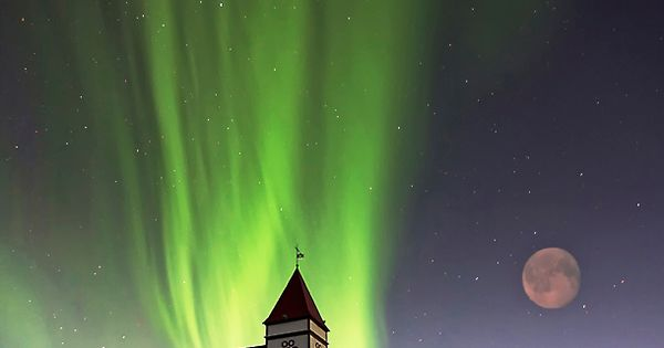 """Holy Lights"" by Þorsteinn H Ingibergsson, via 500px. porsteinn_h_ingibergsson photography northern lights"