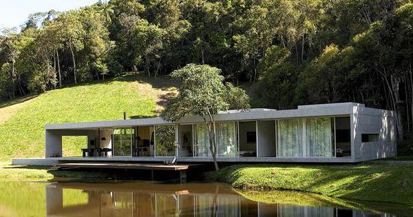 Construire sa maison contemporaine dans les bois for Construire sa maison contemporaine