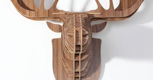 Deze houten rendierkop is een must voor elk eigentijds interieur of het nu voor de woonkamer is for Eigentijds interieur