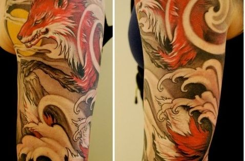 There is something compelling about this sleeve. I love the swirls of