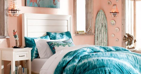 Pottery barn beautiful colors in this teen bedroom home for Pottery barn teen paint colors