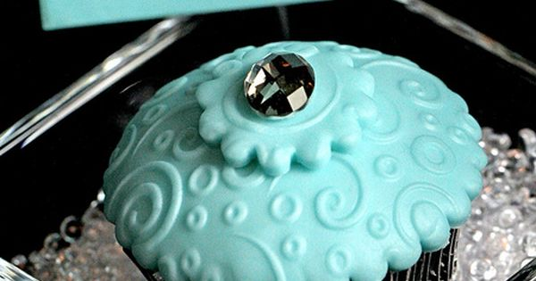 Absolutely gorgeous Tiffany cupcakes! The perfect treat for a wedding or engagement