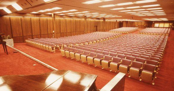 assembly  kingdom hall at watchtower farm  has 707 fixed