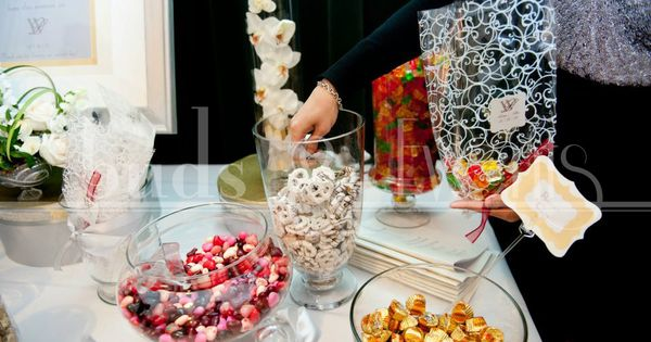 Winter Wedding - DIY favor candy buffet with custom signage and bag ...