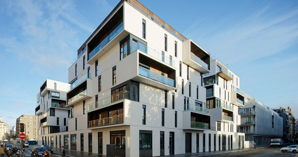 Apartment complex by ameller dubois associ s paris for Facade immeuble contemporain
