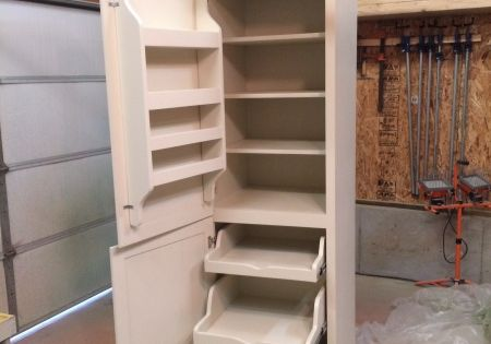 Pantry for a tiny home. I wish I had this now. It