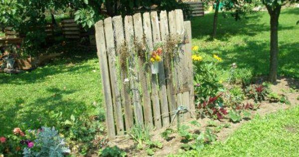 Schaugarten Ky By Chlumany Natur Im Garten Alte Gartentore Garten Blumenbeet