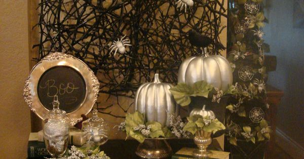 Spooky Halloween Tablescape!