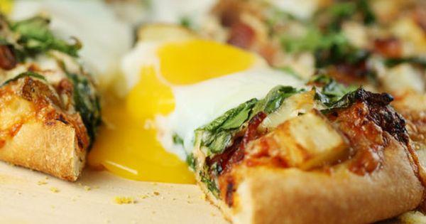 Breakfast pizza, Pizza and Breakfast on Pinterest