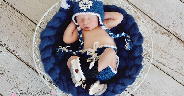 SCORE!!! Super adorbs Toronto Maple Leafs crochet hocket ...