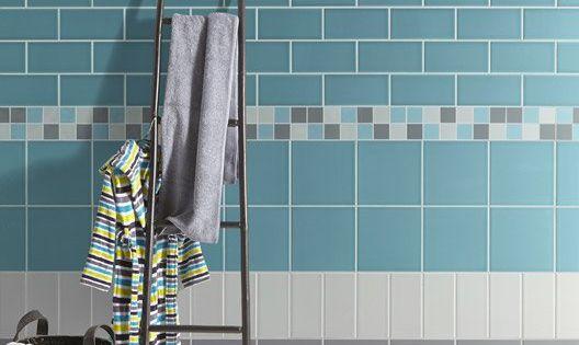 Carrelage mural astuce en fa ence bleu atoll n 3 20 x 20 for Carrelage mural bleu canard