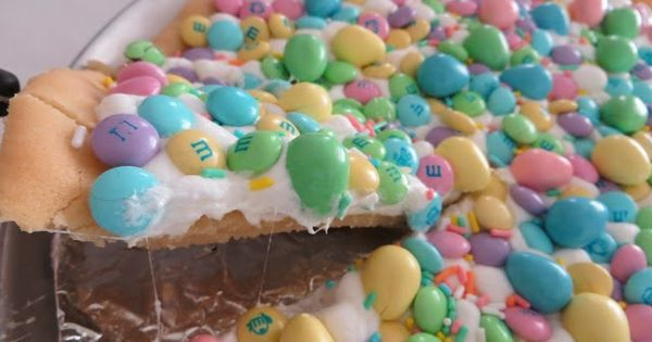 Cookie pizza, Pizza and Spring on Pinterest
