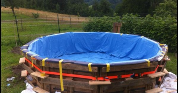 We 39 ve featured swimming pools made from shipping for Hay bail pool
