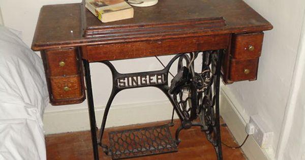 Vintage antique singer sewing machine cast iron base treadle oak desk table