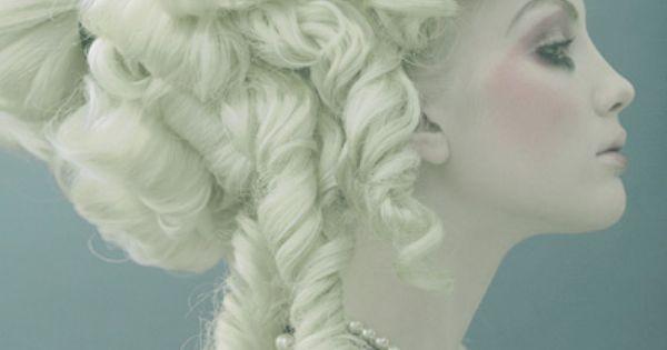 #white marieantoinette bighair pale