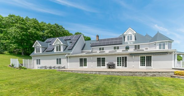 Princeton Ma Metal Roofing With Solar Panels Aluminum Shingles Roofing House Styles