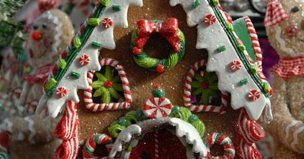 Gingerbread House: I love the beautiful ginger bread houses they look so