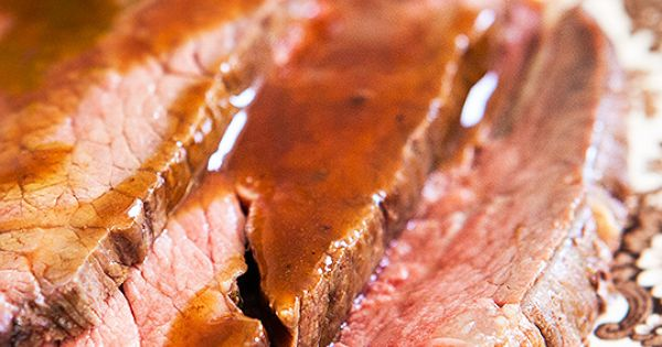how to slow cook a sirloin roast in the oven