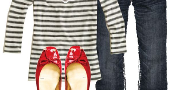 Black and white top, capri jeans and red flats.