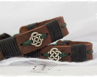 engraved and sewn brown smooth Braided leather bracelet