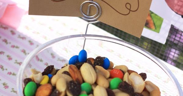 CowGirl Bday Party favors in little plastic bags? Western Birthday trail mix
