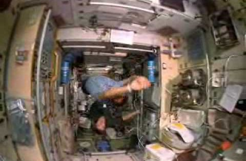 Shuttle Astronauts Weightless In Space Cool Video To Help Kids See How Astronauts Do Differnt Things Space And Astronomy Space Unit Space Nasa