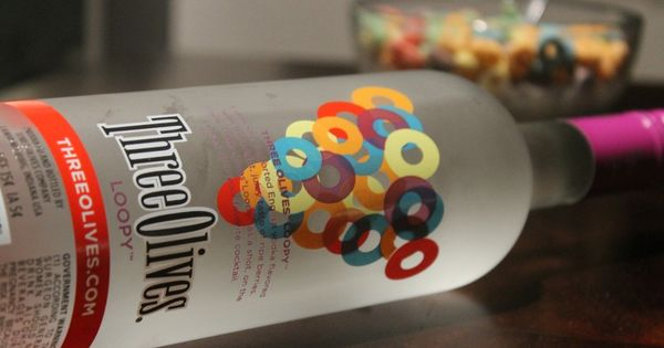 Loopy shots taste just like fruity pebbles loopy vodka for Fruity pebbles alcoholic drink