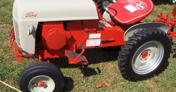 Ford 600 Tractor Hood : Sears suburban with ford hood and paint scheme