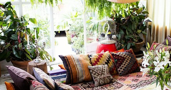Relax. Lounge. Cushions and pillows and rugs! I would love to do