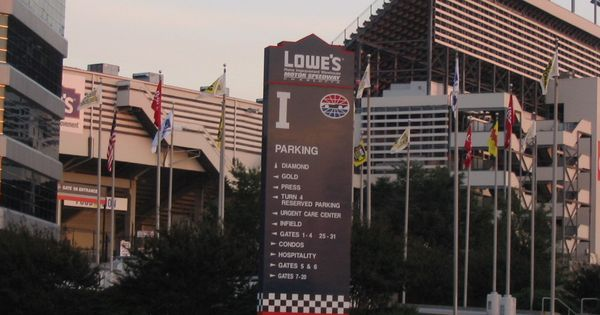 Lowe 39 S Motor Speedway In Concord Places In Charlotte Nc