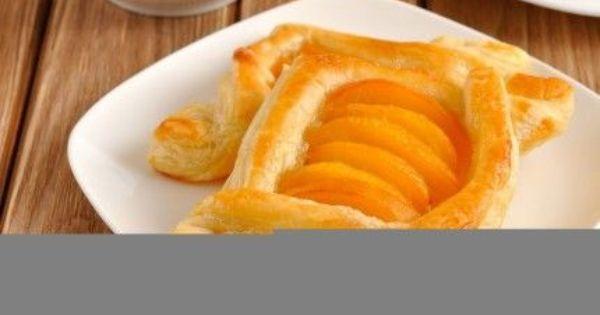 طريقة عمل تارت الخوخ بعجينة البف So Yummy Peach Tart Recipe Apricot Recipes Cooking Recipes Recipes