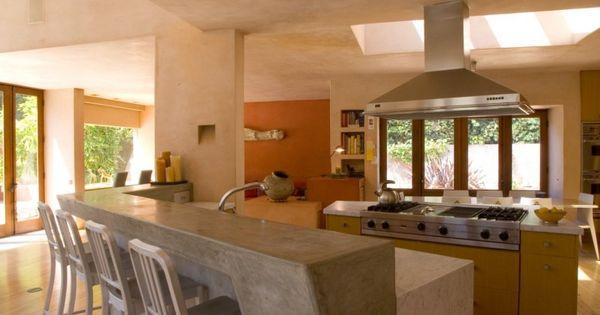 Moderna casa en california con acogedor exterior de estuco - Cocinas con estuco ...
