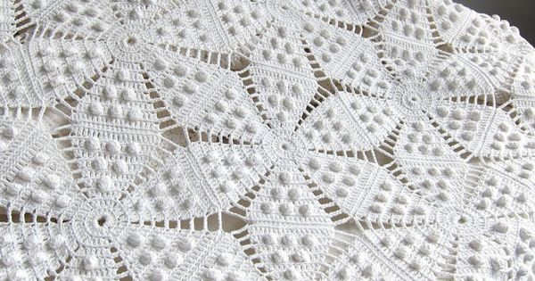 Crochet Patterns Queen Size Bed : Vintage Crocheted Bedspread - White Cotton Bedding Star ...