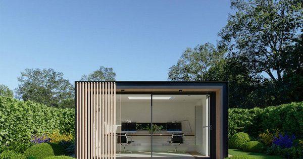 de jardin avec grandes baies vitrées et bardage extérieur en bois ...