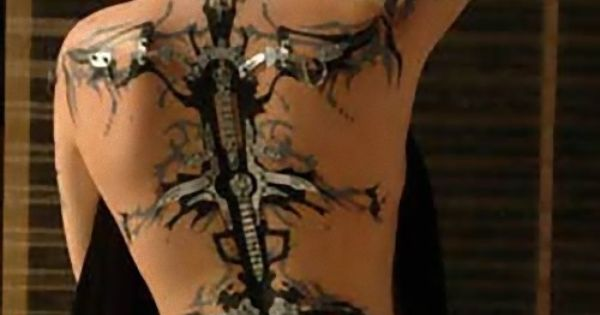 Amazing 3D Tattoos - I like the idea of a silver and
