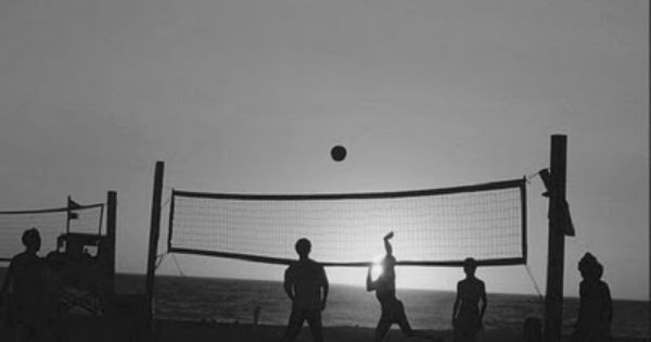 Pin By Autumn On That S Clever Volleyball Pictures Outdoor Volleyball