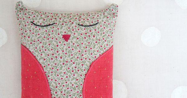 bouillotte chouette en graines de lin antalgique. Black Bedroom Furniture Sets. Home Design Ideas