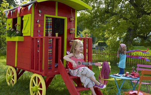 Cute Outdoor Playhouses with Gipsy Caravan Style for Kids ...