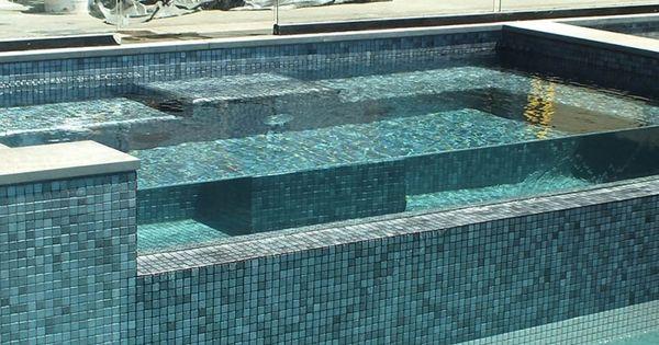 Mosaique piscine en emaux de verre ezarri gris inox for Carrelage piscine mosaique